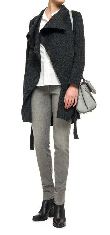 Wrap coat in black and grey