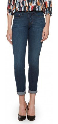 Anabelle Skinny Boyfriend in medium blue lightweight denim